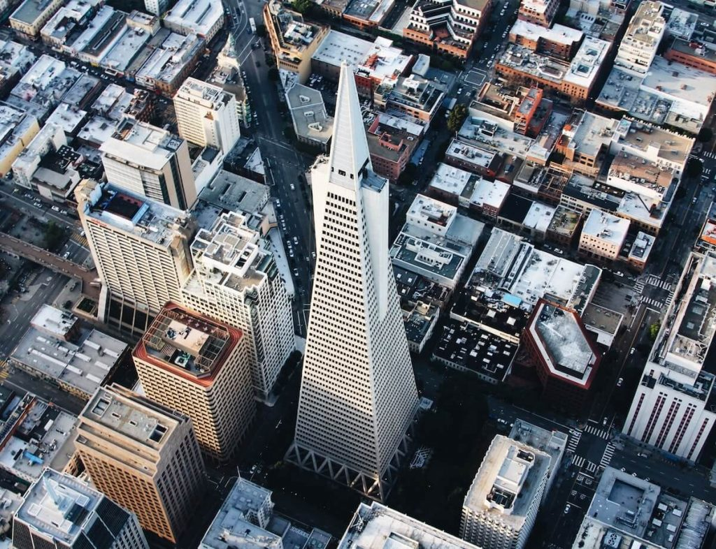 la transamerica pyramid dans le financial district